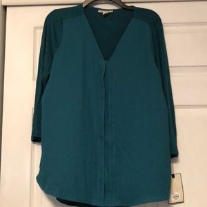 Dana Buchman 3/4 sleeve two tone green blouse L